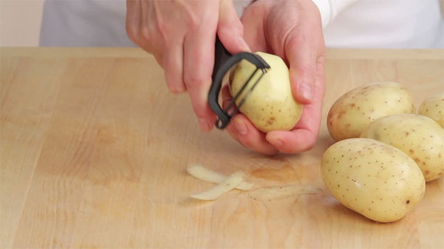 khoai tây gọt vỏ