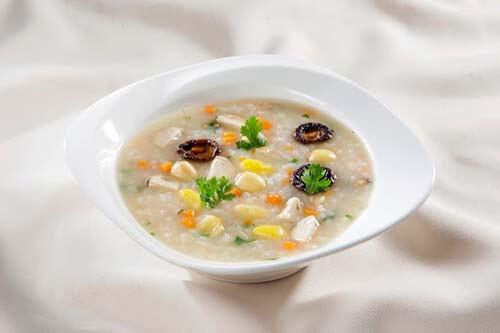 cháo gạo muối quấy mỡ - món ăn hỗ trợ điều trị hiếm muộn