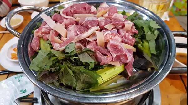 Thịt dê hấp tỏi